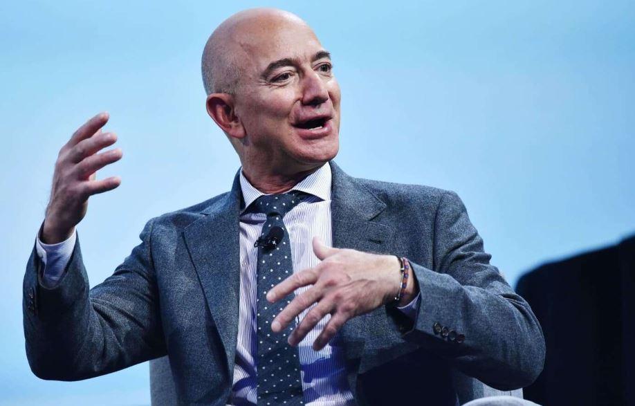 Jeff Bezos, brother to explore space on Blue Origin