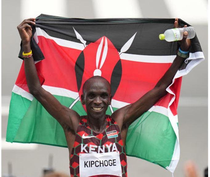 Kenya's Eliud Kipchoge makes history, retains Olympic marathon title