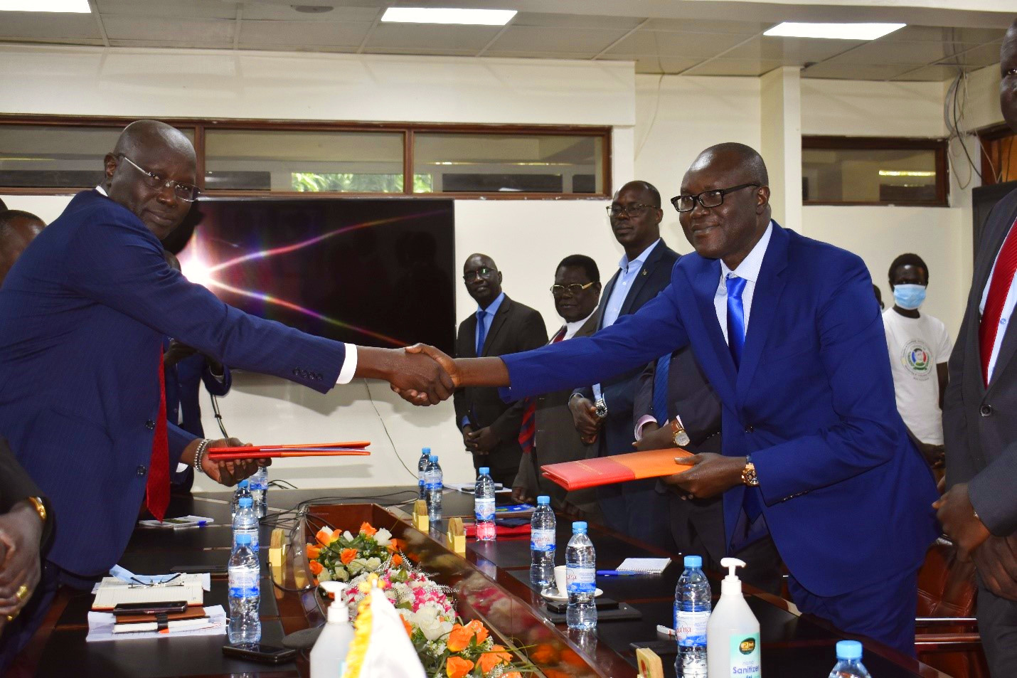 Central Bank, Finance Ministry vow to boost economy