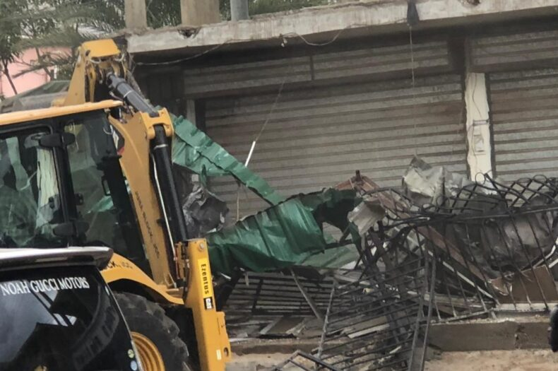Juba City Council demolishes building on road reserves