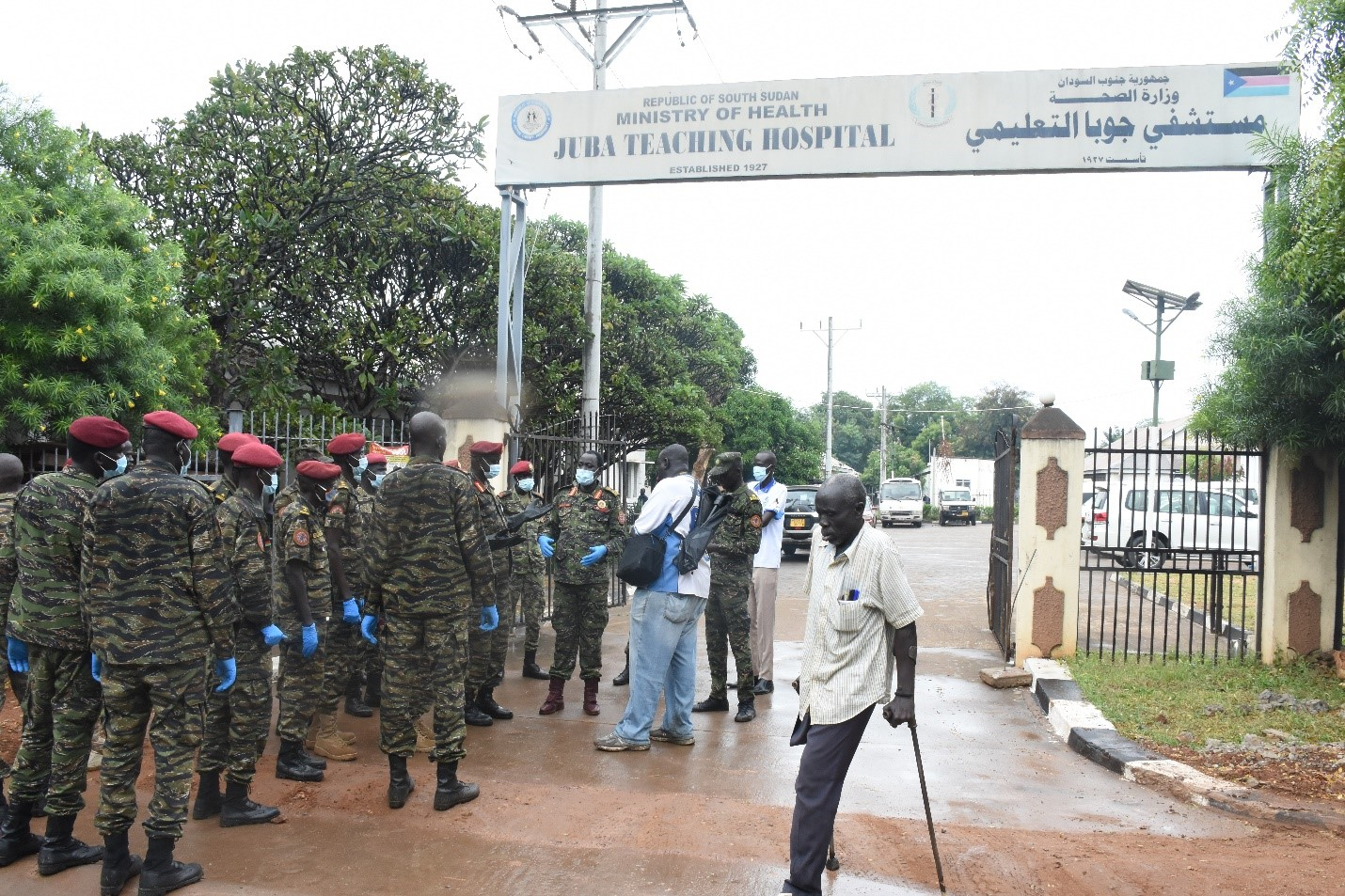 Presidential guards join waste management campaign